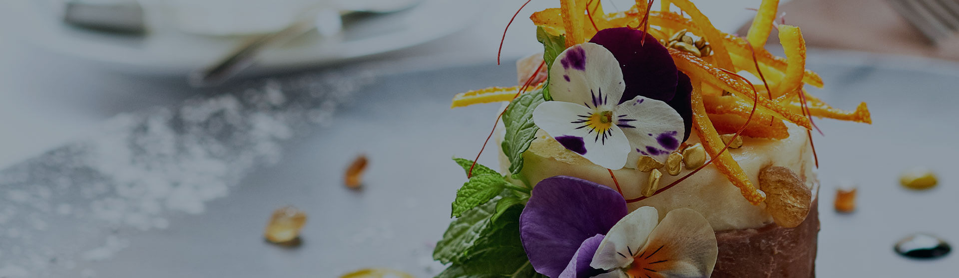 colourful-dessert-with-flowers
